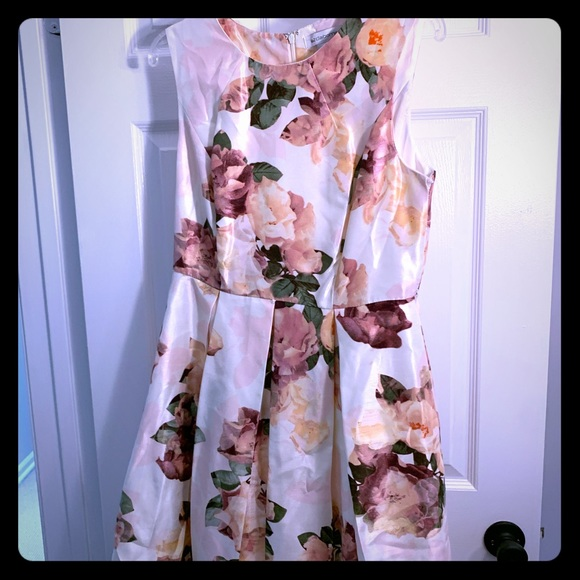Liz Claiborne Dresses & Skirts - Liz Claiborne floral dress